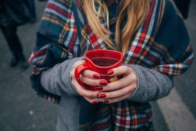 Mulled wine, picture by Alisa Anton, unsplash