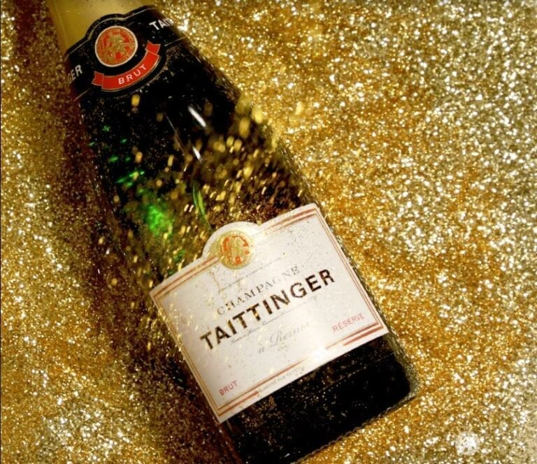 Champagne Taittinger, glitter, New Year's bottle, sparkle