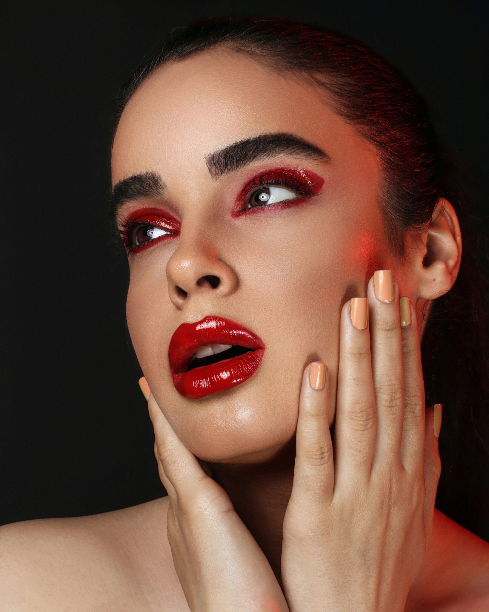 Lipstick girl, photo by nojan namdar, unsplash
