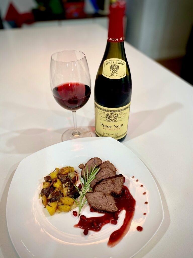 Pinot Noir, Louis Jadot, wine pairing, steak