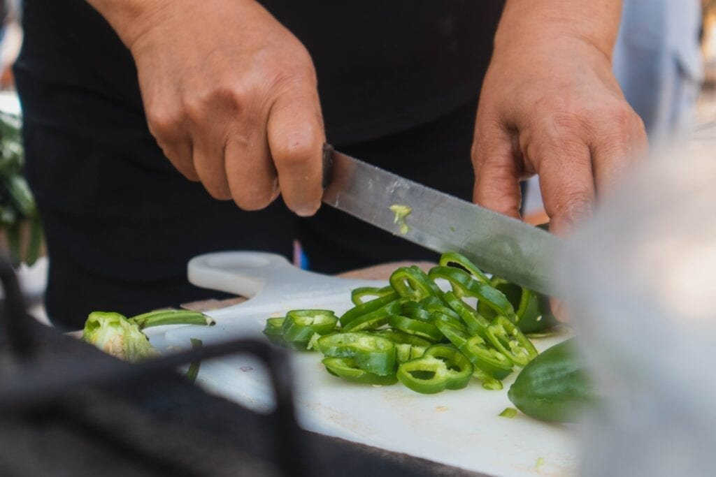 Green bell peppers. Photo by Josué AS, Unsplash